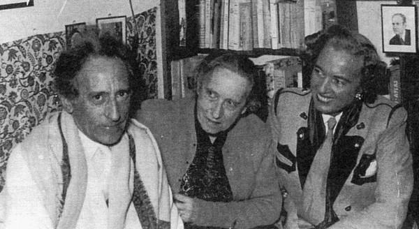 1952  Cocteau à Kitzbühel avec Gabrielle Castelot
