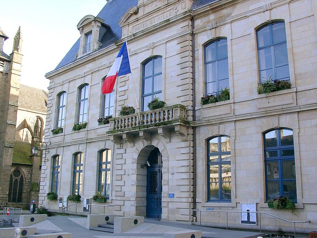Les communes bretonnes sont-elles trop généreuses avec leurs fonctionnaires ?