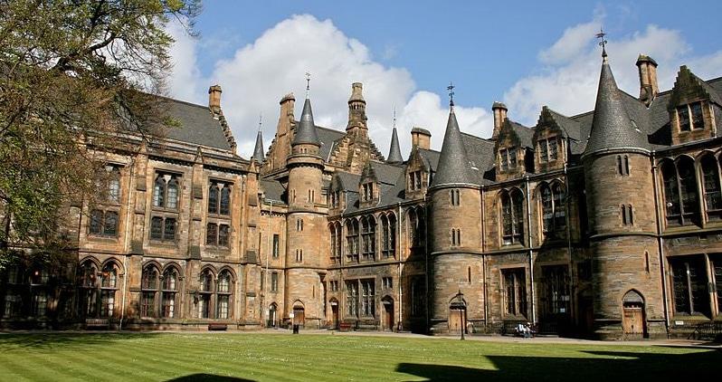 Les étudiants européens prennent-ils la place des étudiants écossais ?