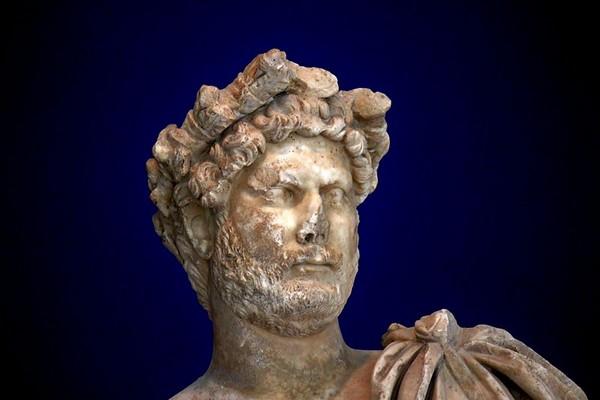 Faut-il continuer à étudier l'histoire romaine ? [tribune libre]