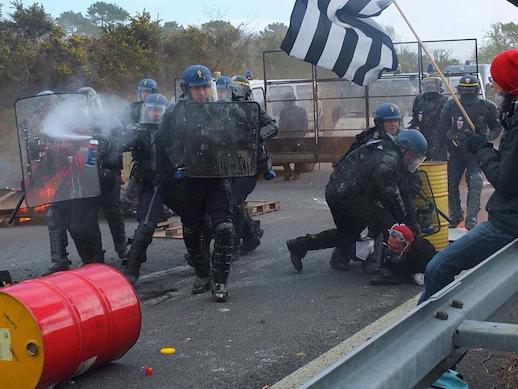 Brec'h (56). Un manifestant tabassé par la police témoigne [exclusif]