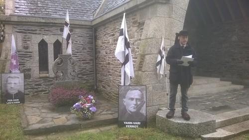Une cinquantaine de Bretons rendent hommage à l'Abbé Perrot à Scrignac (29)