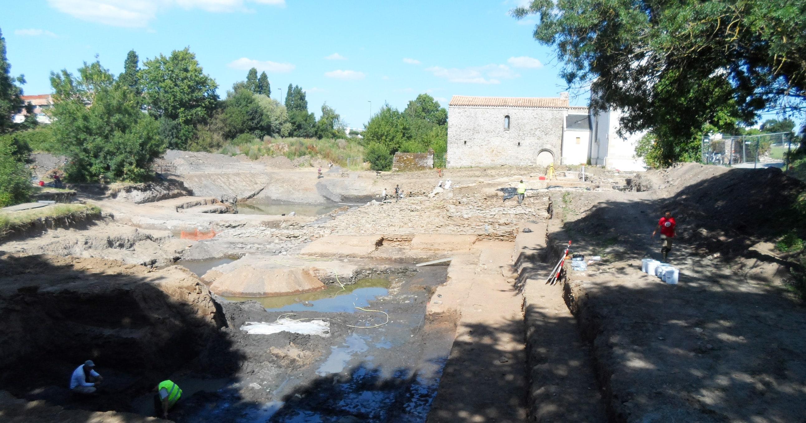La campagne de fouilles 2014 a commencé à Saint-Lupien