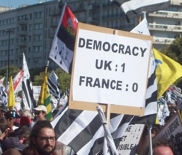 Democracy Nantes 27 septembre 2014 016