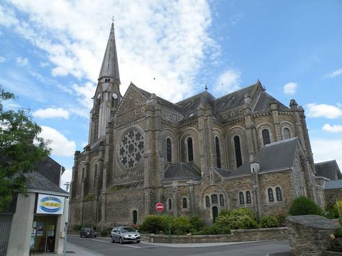 Fermeture de l'église de Bouvron : la lourde facture du laxisme de la municipalité socialiste