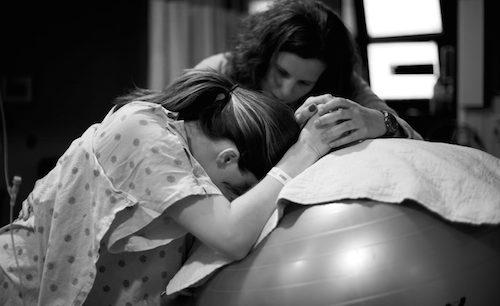 Accouchement – maternité : être accompagné d'une doula
