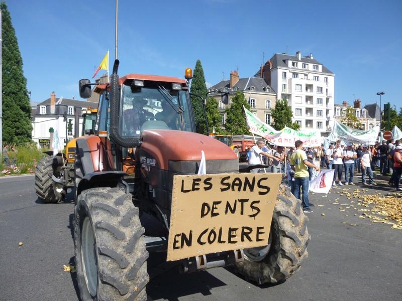 En Lorraine aussi les agriculteurs mettent le feu
