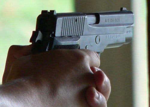 Pistolet-SIG-p1000504
