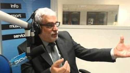 Orvault. Joseph Parpaillon (divers droite) se prend pour Jean-Luc Mélenchon