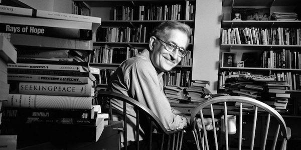 Les dix stratégies de la manipulation, par Noam Chomsky [MAJ 12/02/2015]