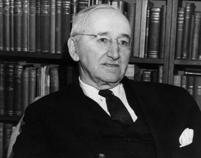 Friedrich Hayek (1899–1992). Une tentative d'associer libéralisme et conservatisme