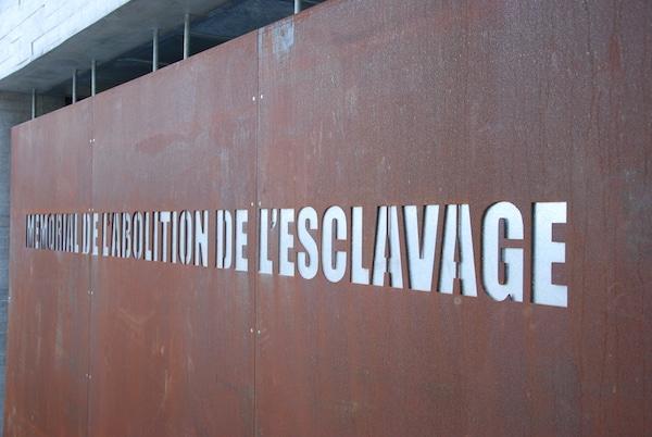 Nantes. Un tag sur le Mémorial de l'esclavage fait du bruit