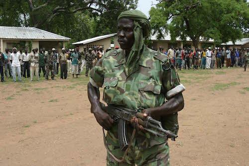 La Centrafrique en voie de somalisation avancée demande à la France d'abonder son budget