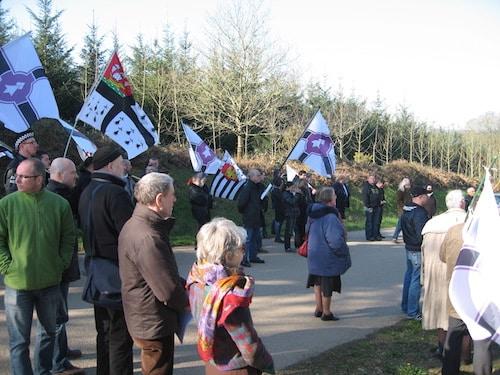 Scrignac. Une centaine de nationalistes Bretons réunis pour honorer Yann Vari Perrot.