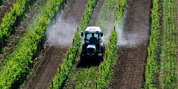 Arrêté anti-pesticides de Johanna Rolland à Nantes: illégal, inutile et politique?