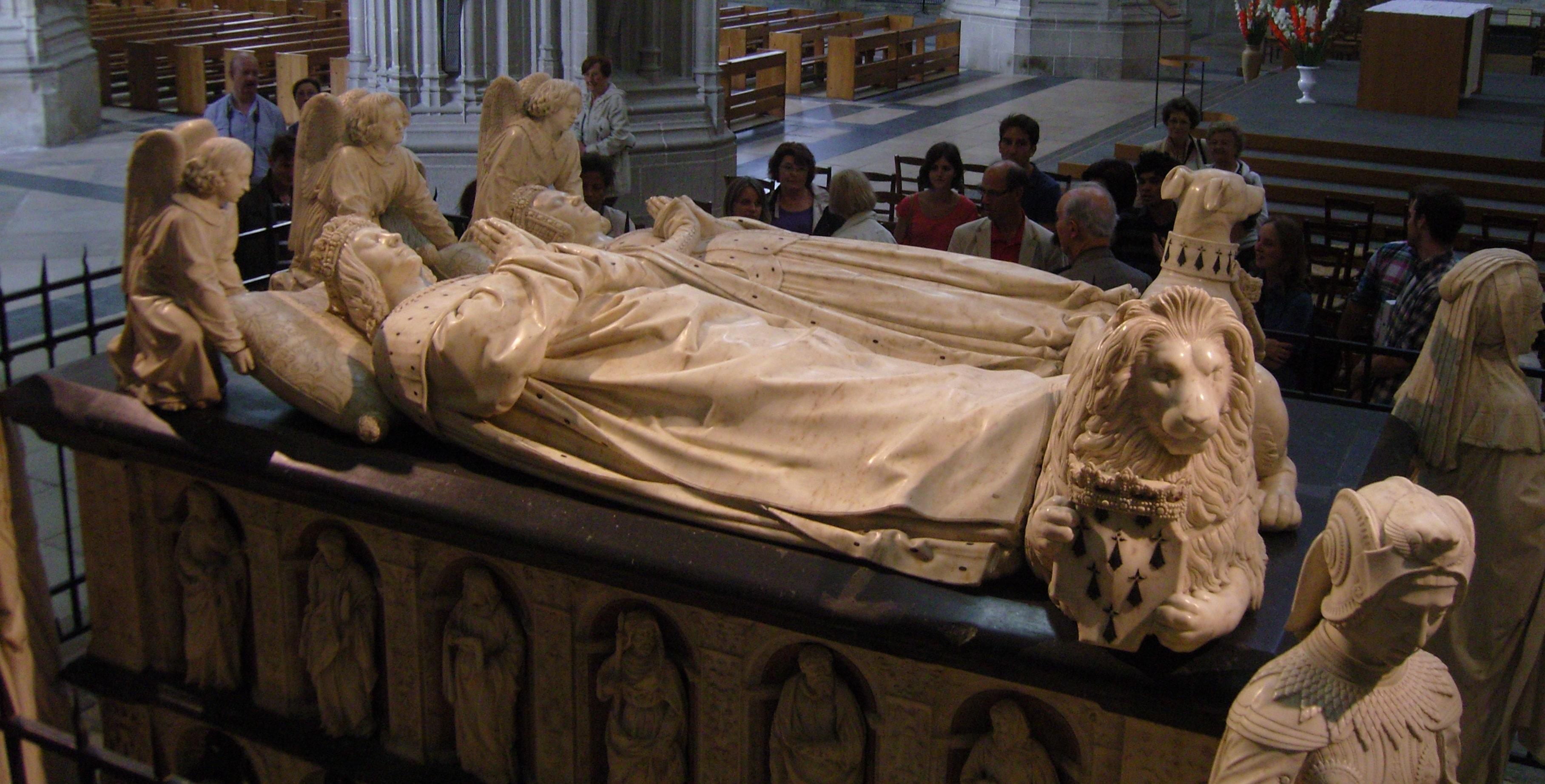 Une vision philosophale du tombeau de François II