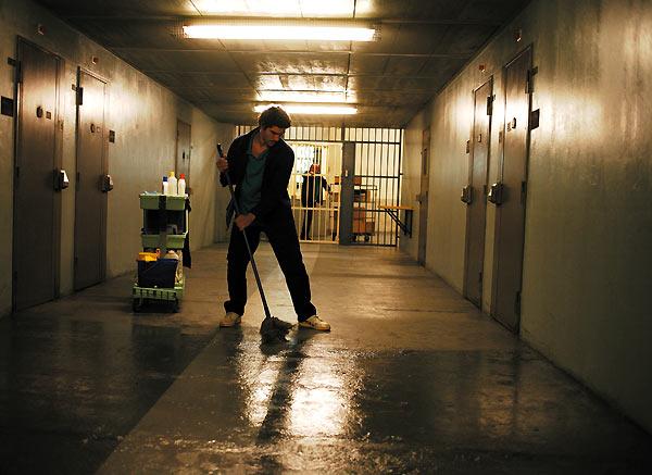 prison_surveillant