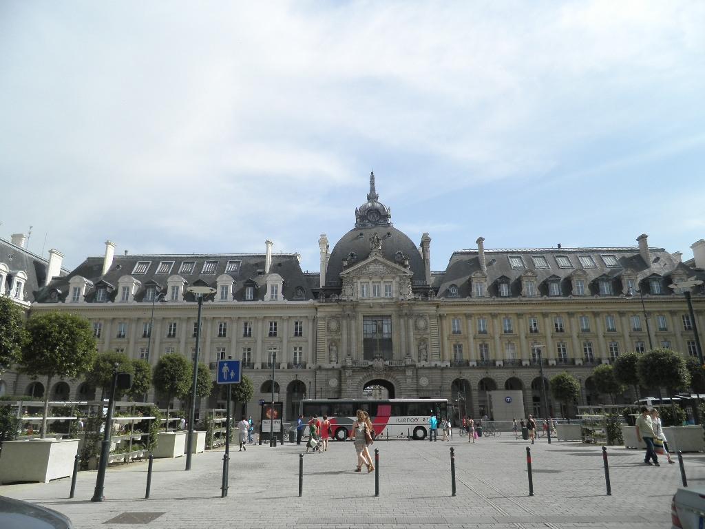 Rennes. Deux immigrés algériens agressent sexuellement et physiquement des usagers