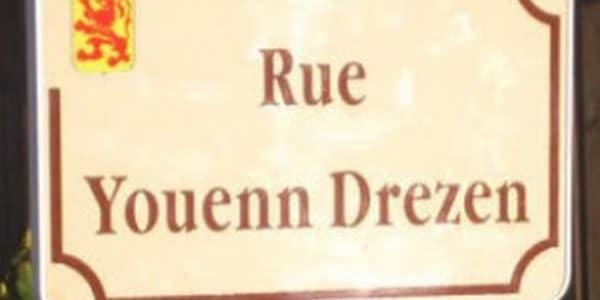 Pont-l'Abbé. La rue Youenn Drezen sera-t-elle débaptisée ?