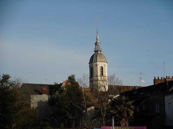 Eglises de Nantes: le clocher Saint-Martin de Chantenay sera rénové, Notre-Dame de Bon-Port continue à prendre l'eau