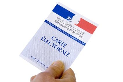 Réforme constitutionnelle. Philippe Noguès signe un amendement pour le droit de vote des étrangers