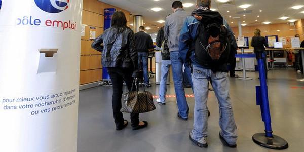 Baisse du chômage en avril : ça va vraiment mieux ?