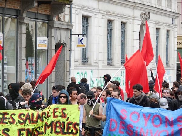 Loi Travail : 2000 manifestants à Rennes et des dizaines de vitrines taguées [photos]