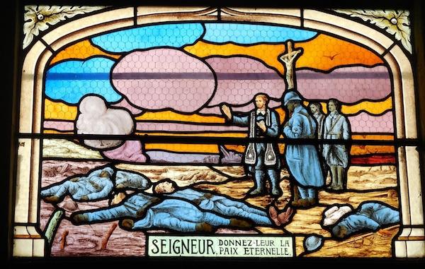 Montbert (Loire-Atlantique) : la mémoire des poilus de 1914-1918 sur les vitraux de l'église