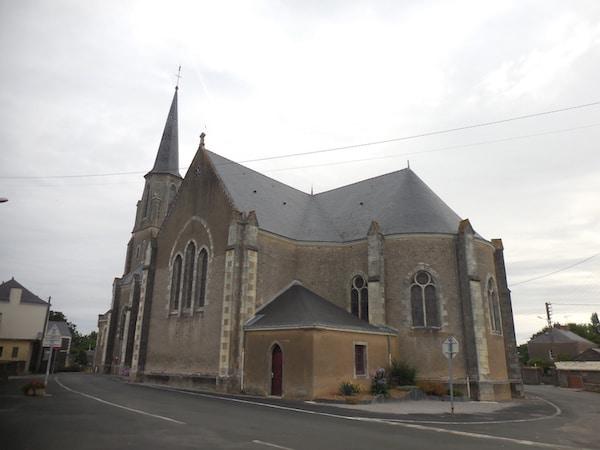 Saint-Sulpice-des-Landes : les vitraux des commandements et des vertus catholiques