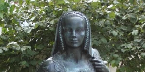 Le Croisic. Superbe hommage au grand sculpteur breton Jean Fréour