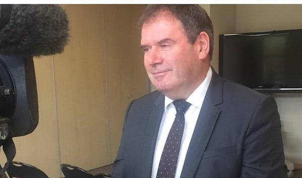 Cumul des mandats. Christian Troadec ne pourra pas être maire de Carhaix et député