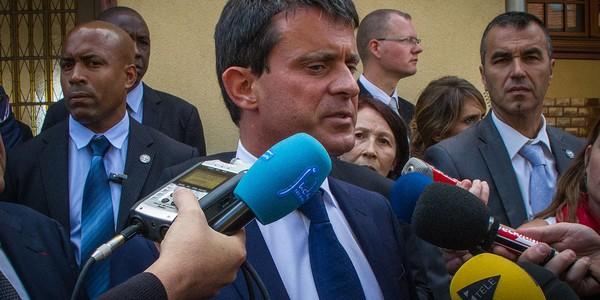 Si Hollande renonce, le Breton Le Drian est prêt à soutenir le Catalan Valls