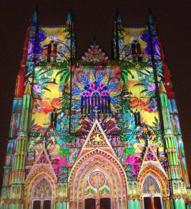 Nantes. La cathédrale illuminée, poésie sous haute-sécurité