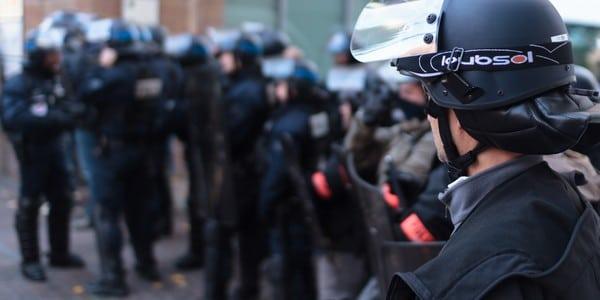Insécurité à Nantes: l'Etat détache 60 CRS pour sécuriser le centre-ville