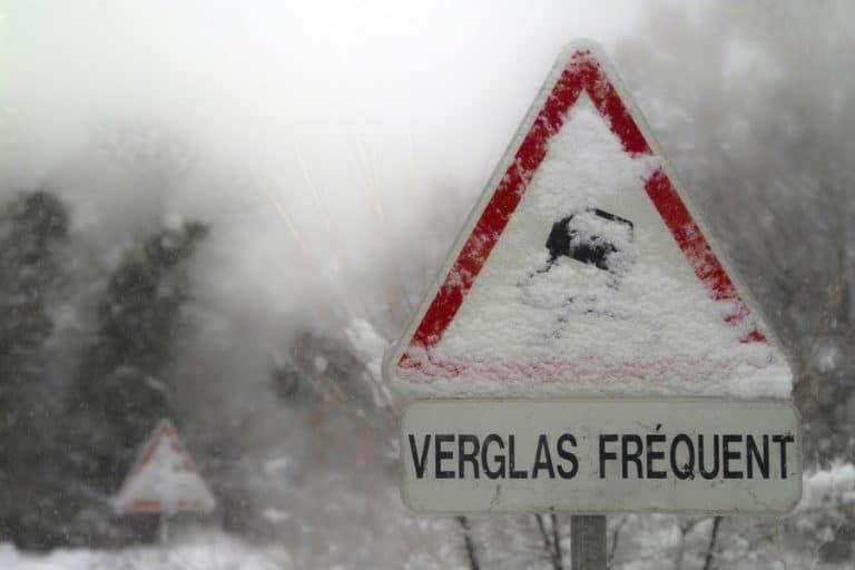 Neige, verglas : Vérifiez-vous l'état de votre véhicule avant de prendre la route ?