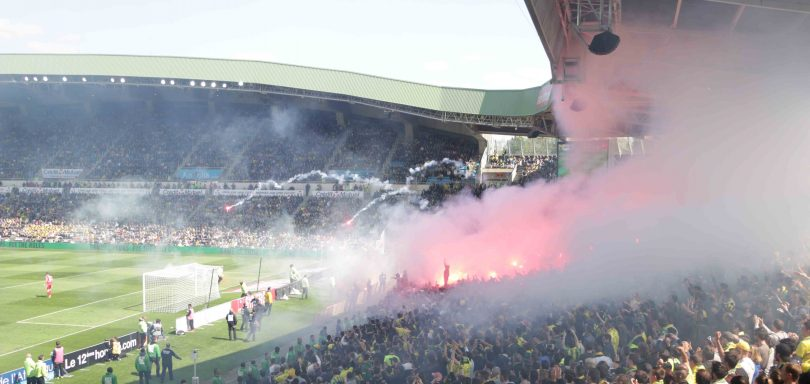 FC Nantes Bordeaux Derby Fumigènes