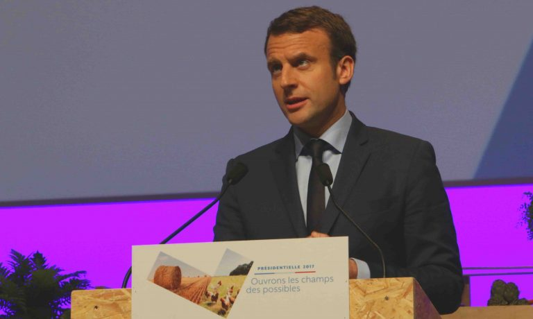 Budget. Face aux militaires furieux, Emmanuel Macron persiste : « Je suis le chef »