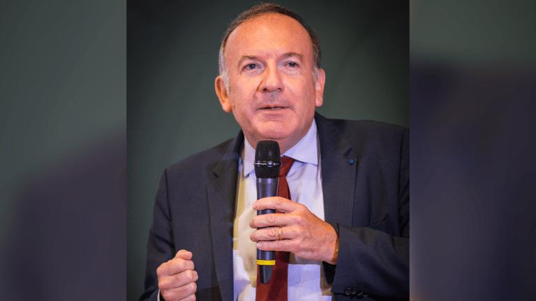 Le Medef multiplie les attaques contre Marine Le Pen et Jean-Luc Mélenchon