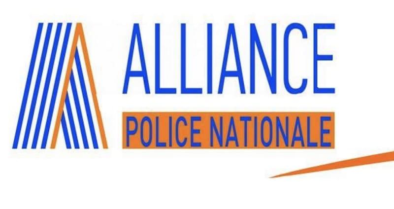 pr sidentielle l 39 appel du patron d 39 alliance police voter macron ne passe pas chez les. Black Bedroom Furniture Sets. Home Design Ideas