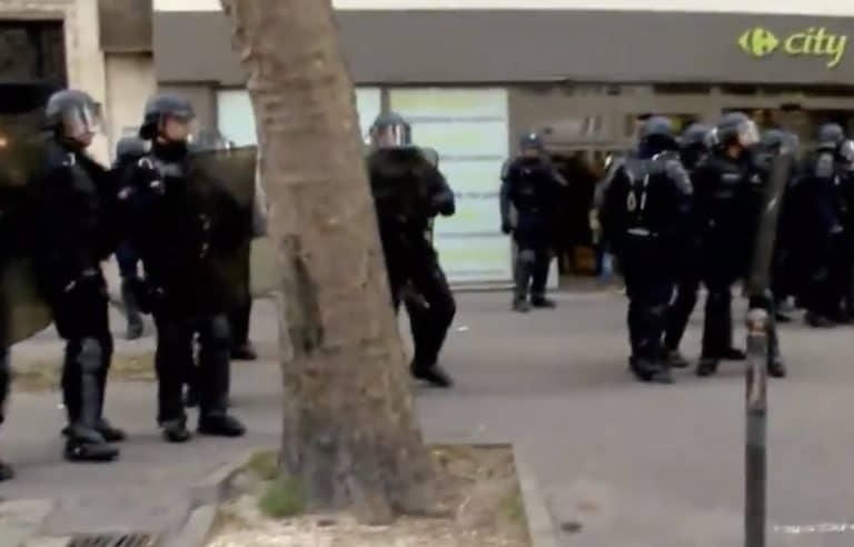 Emeutes à Paris : la stratégie des forces de l'ordre en question