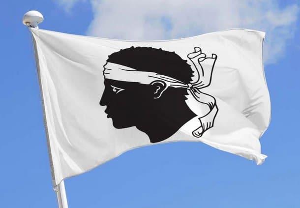 Le drapeau corse (1)