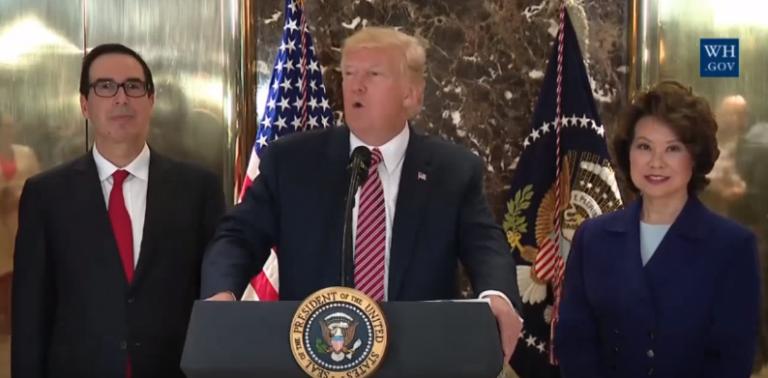 Ce que Donald Trump a réellement dit lors de sa conférence de presse explosive