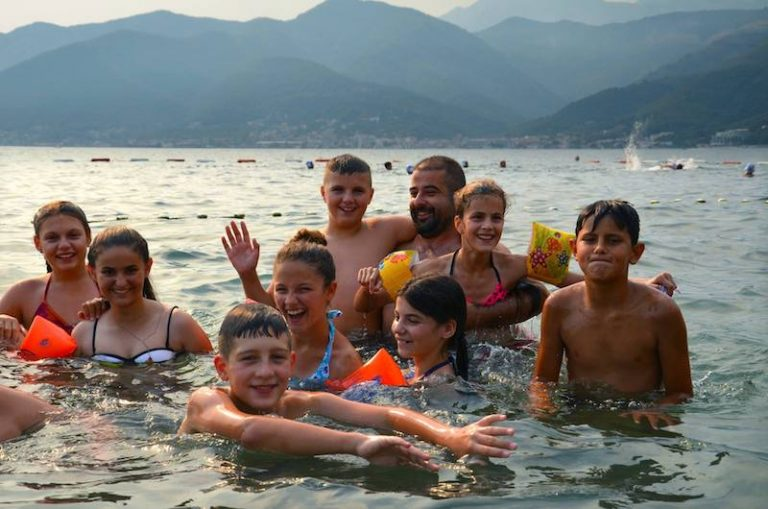 Solidarité Kosovo. Les enfants de la classe de mer sont bien arrivés au Monténégro !
