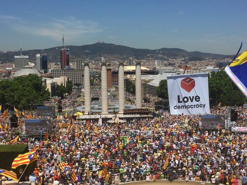 L'arrestation de ministres évoque l'Espagne franquiste — Catalogne