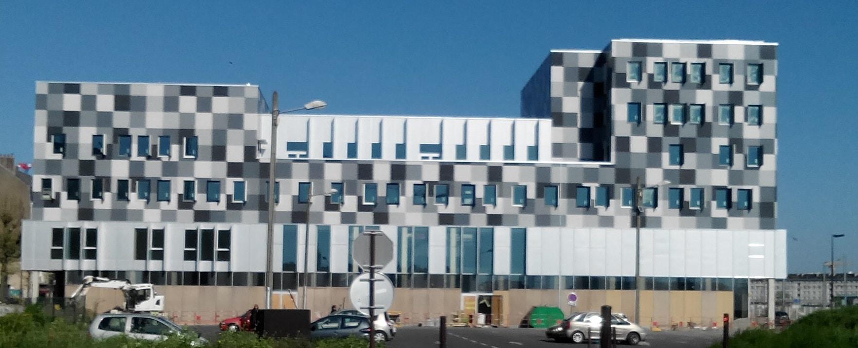 Nantes p le de la com avec l inauguration du mediacampus for Chambre de commerce nantes