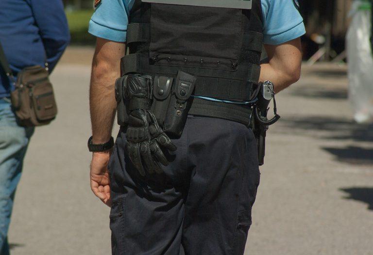 Insolite. Que fait un policier face à un « jeune » armé, en Chine, en Russie, aux Etats-Unis, en Algérie..et en France ?
