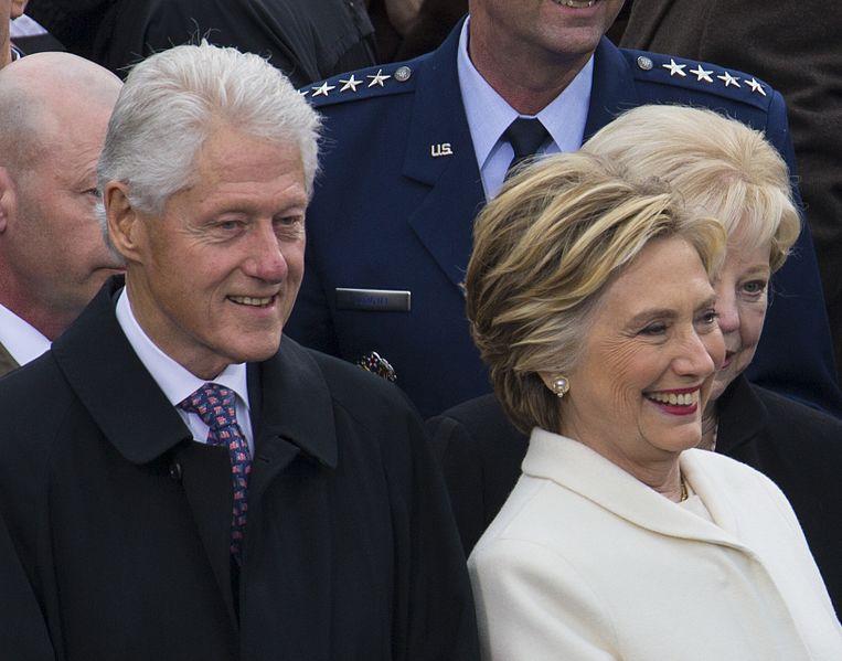 «Air F**k One». Bill Clinton accusé d'agressions sexuelles en jet privé