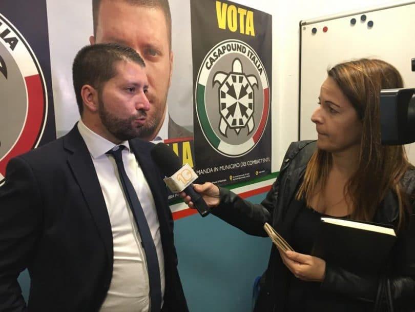 VIDÉO - Italie : il agresse violemment un journaliste pendant une interview