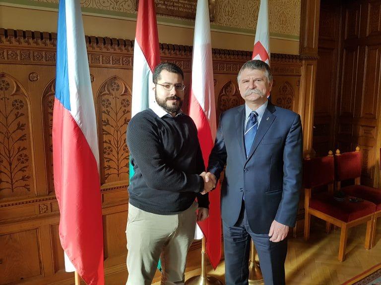 Hongrie. László Kövér (président du Parlement) : « L'immigration massive signifie justement la fin de l'Europe »