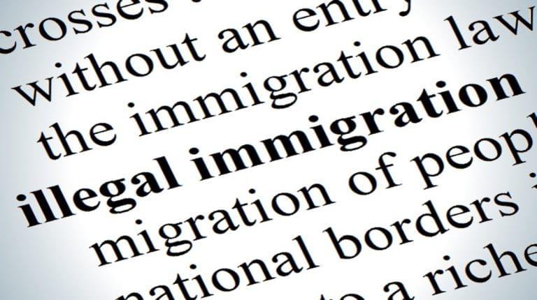 Immigration: le gouvernement sabre en douce les moyens pour renvoyer les clandestins hors de France